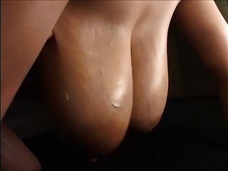 Grandes mamas asiáticas ordenhadas