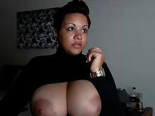Webcam enorme boobs ébano