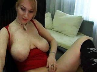 Webcam girl com grandes mamas naturais