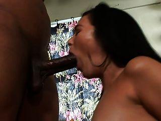 Meninas amam grandes galos pt 1