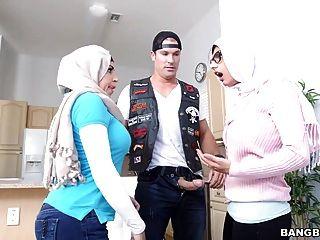 Vídeos de julianna vega e mia khalifa stepmom