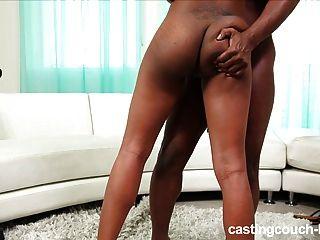 Adolescente preta na fundição anal hardcore