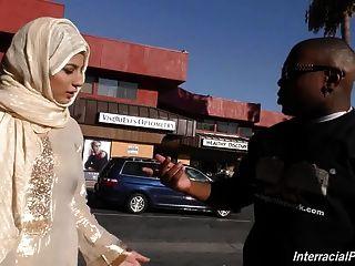 Arab slut girl chupar e fuck enorme galo preto