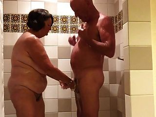 Jogando no chuveiro