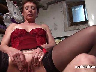 Amador francês maduro em lingerie fodido duro e facialized