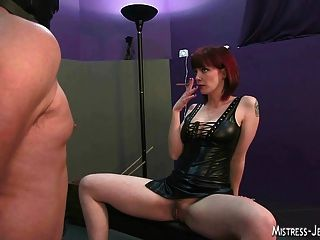 Mistress femdom assortment strapon chicoteando e mais