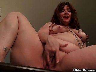 American mom jewels dá-lhe pussy pantyhosed um deleite