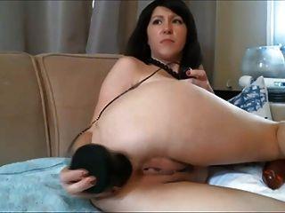 Webcam morena cums duro com 2 dildos enormes