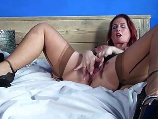 Sexy madura mãe e esposa com muito faminto buceta