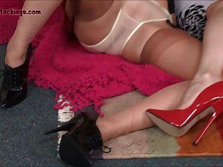 Sujo milf meninas masturbar e espalhar as pernas para você