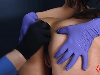 Anal virgem fica doloroso anal alongamento com bunda para a boca