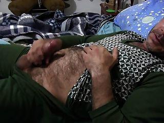 Str8 papai brinca na cama