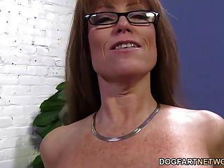 Sexy cougar darla guindaste fica anal de grande preta galo