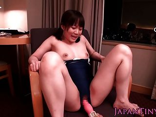 Pequeno, japonês, bebê, leotard, squirts, brinquedo, provocado