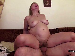 Mamãe e papai no casting pornô real porque precisa de dinheiro