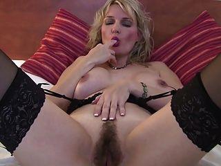 Doce madura mãe com corpo quente e buceta buceta