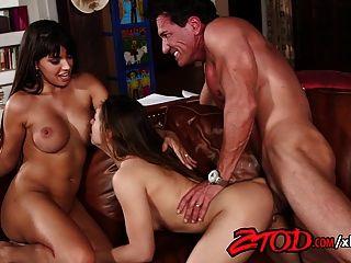 Ztod esposa dá o dom de um trio com um adolescente