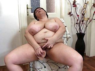 Mães maduras sexy precisam de uma boa foda