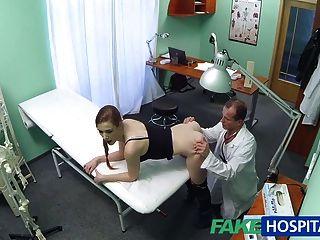 Fakehospital médico recebe apenas o que ele queria do paciente quente