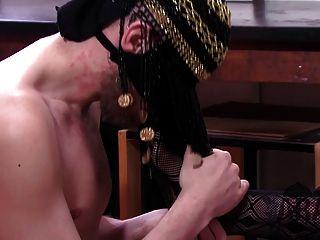 Asian american mistress educates arab escravo dominação completa