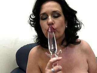Linda mãe peituda madura com boceta velha sedento