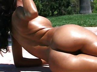 Morena perfeita com um corpo incrível