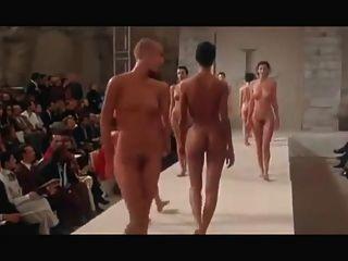 Desfile de moda nu redux pret a porter