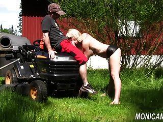 Monicamilf está fodendo o jardineiro norsk porno