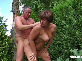Mãe, seduzir, alemão, jovem, Menino, foder, dela, jardim