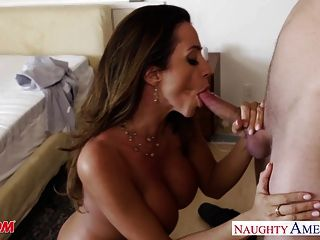 Busty mom ariella ferrera fica fodido e facialized