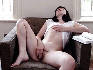 Mormon lustful menina masturbates no apartamento