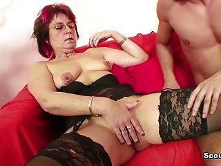 43yr velha mãe alemã seduzir 18yr filho filho não passo