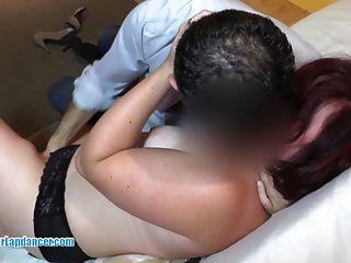 Lambendo, dedilhado e vagina fuck para chubby amador
