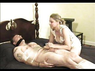 Bondage handjob blowjob fez orgasmo