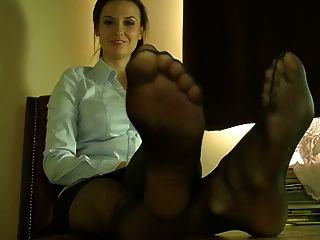 Sexy pés e pernas de nylon