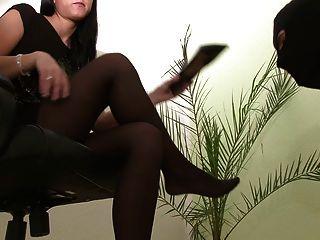 Shoelicking, cuspir e tapa