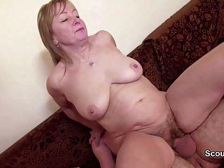 Mamãe e papai na primeira vez alemão casting porno