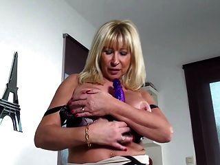 Pechugónas maduras com vaginas famintas