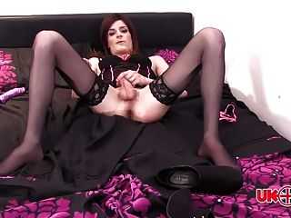 Uk tgirl laura smith em lingerie
