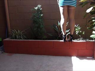 Sentindo 5 polegadas calcanhares em meia-calça em um dia brilhante parte 2