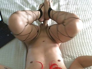 Cumming no meu peito mmm !!