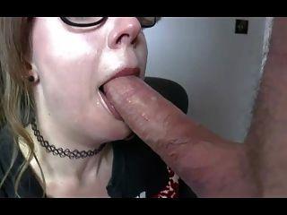 Samantha british slut obtém fodido por um pensionista