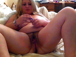 Garota gordinha masturbando