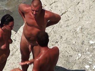 Nude praia maduro mmf threesome na costa
