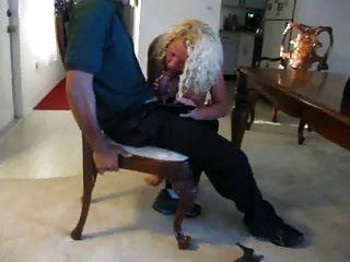 Homem de entrega de pizza come minha buceta mulher