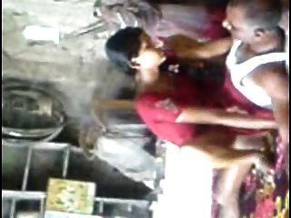 Anuradha jovem marathi fodida por velhos