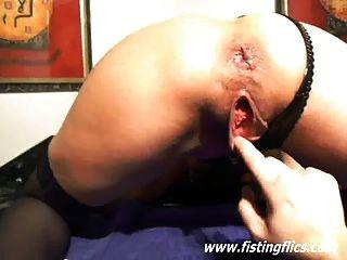 Fisting extremo e inserções uretrais