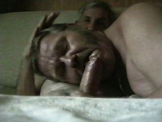 Dois vovôs alemães chupando n fucking