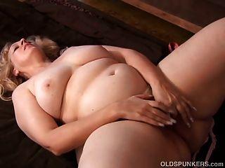 Super sexy loura madura bbw é uma foda muito quente
