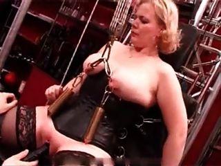 Minhas piercings sexy pesado escravo perfurado torturado com vela